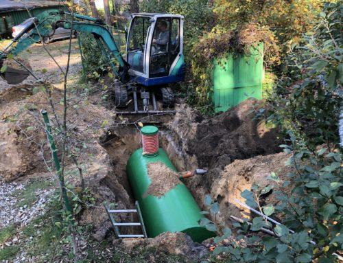 Hermetiskās tvertnes uzstādīšana kanalizācijai Varnukrogā, Jūrmalā.